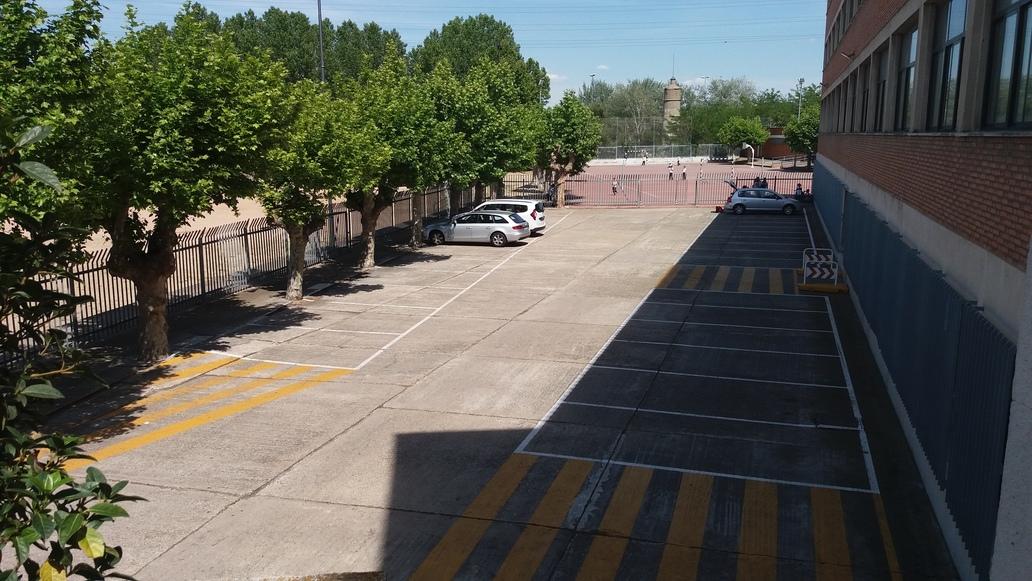 http://centrosanviator.es/wp-content/uploads/2016/12/Parking2-Alojamiento.jpg