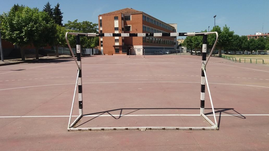 http://centrosanviator.es/wp-content/uploads/2016/12/campos-deportivos3.jpg